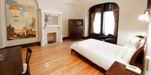 Hotel de Paris Montreal