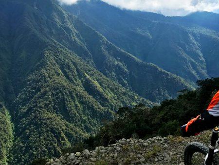 Partez en Bolivie pour la descente de VTT la plus dangereuse du monde !